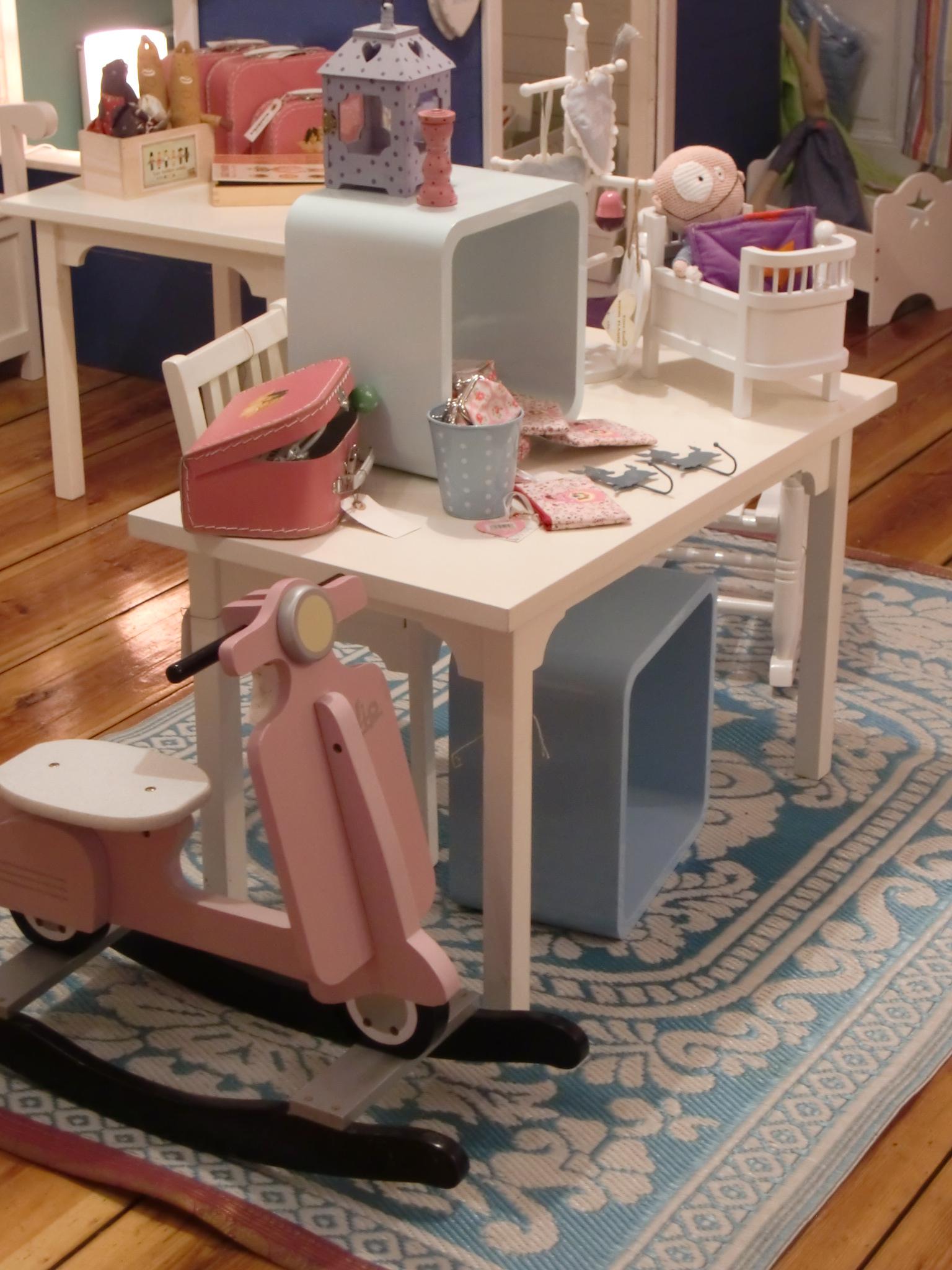 die wohngeschwister gibt s jetzt auch f r die ganz kleinen eben mit einem chen madamechoufleuse. Black Bedroom Furniture Sets. Home Design Ideas